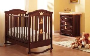 Кроватка для новорожденного классика